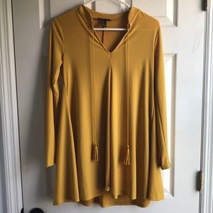 Long-sleeve yellow stress with tassels